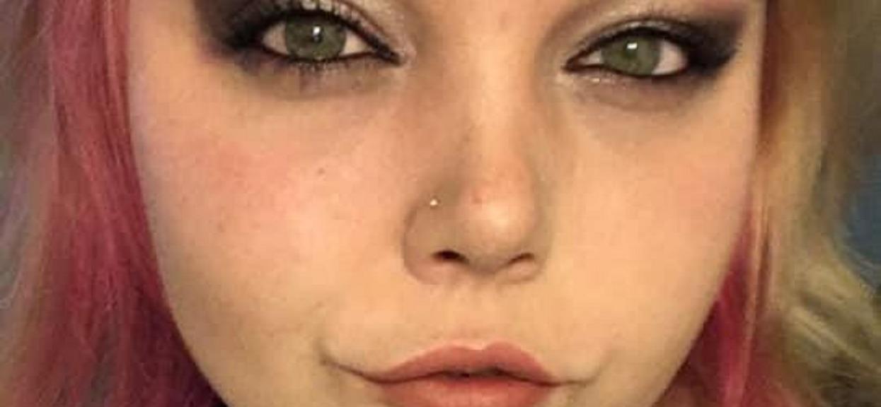 Kobieta spaliła się żywcem we własnym domu zanim nadjechała pomoc. O zbrodnię oskarżono jej ojca