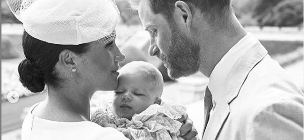 To była ustawka? Brytyjskie media odkryły prawdę o chrzcie dziecka Meghan Markle