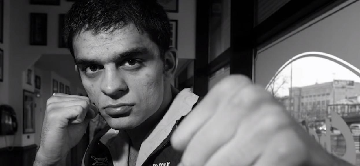 Bliscy Kosteckiego nie wierzą w samobójstwo. Niejasne okoliczności śmierci słynnego boksera