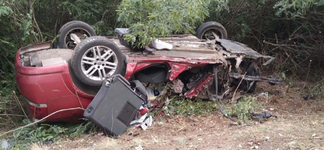 Śmiertelny wypadek, zderzyli się z ciężarówką. Tata i syn zginęli na miejscu, mama walczy o życie