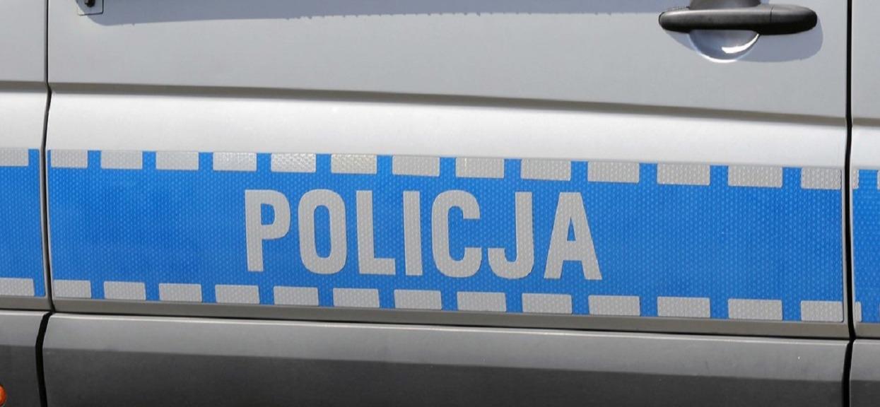 Włos się jeży na głowie. To stało się na polskiej ulicy, wyjął nóż i zaczął dźgać 14-latka i 44-letniego mężczyznę