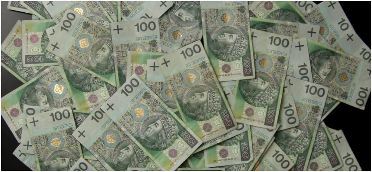 """""""1500 minus"""" obejmie 2 miliony Polaków. To skutek nowych przepisów wprowadzonych przez rząd PiS"""