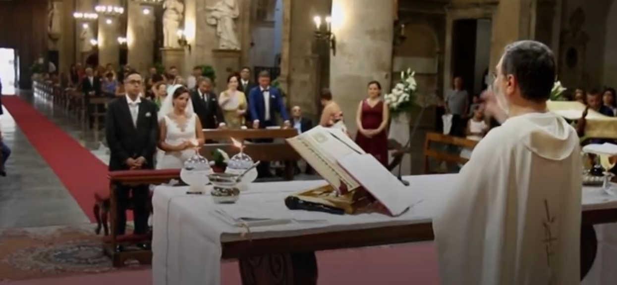 Niewiarygodne zjawisko przerwało ślub. Nagłe huknięcie i w najważniejszym momencie zapadła ciemność