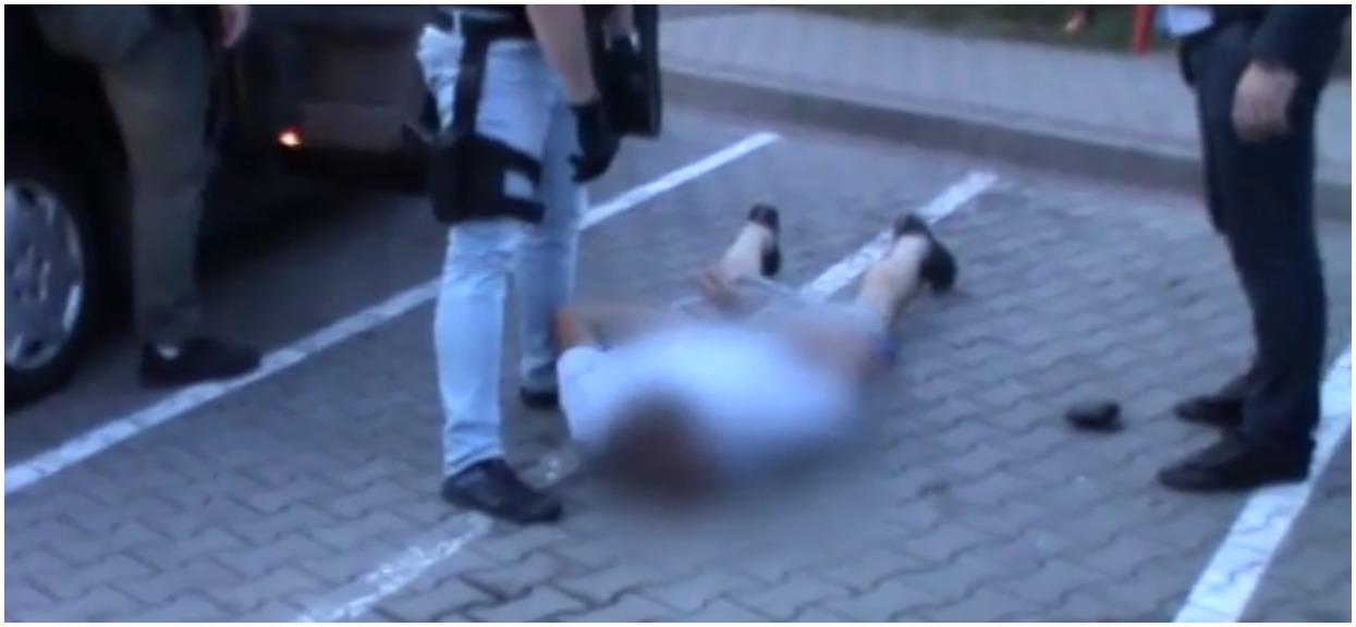 """Brutalne zabójstwo policjanta. Złapano jednego ze sprawców po 25 latach. """"Zamurowało go"""""""