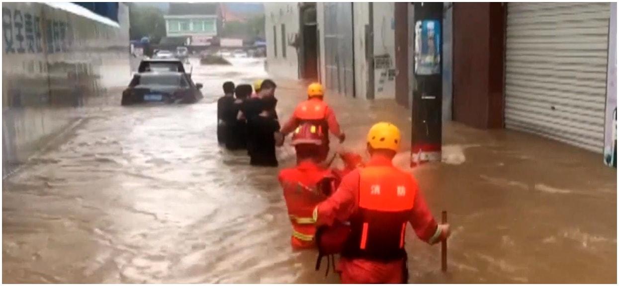 Milion osób ewakuowanych, 33 ofiary śmiertelne. TVP informuje o klęsce żywiołowej za granicą