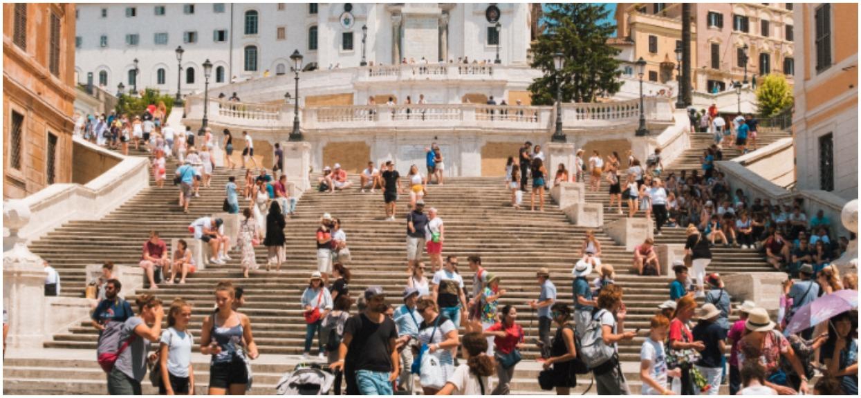 Na tych schodach siadali wszyscy turyści. Teraz można za to zapłacić ponad tysiąc złotych mandatu