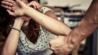Ewa była gwałcona w piwnicy. Mąż sprzedawał ją kolegom za butelkę wódki, fakty w tej sprawie przerażają
