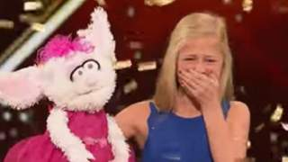"""Dziewczynka włożyła rękę do lalki. To, co zrobiła po chwili, sprawiło, że cała widownia """"Mam talent"""" krzyczała"""