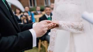 40-letnia panna młoda zostawia puste miejsce dla zmarłego syna. Gdy widzi, kto zjawia się na jej ślubie, leją się łzy