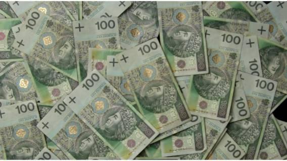 Polacy stracą pieniądze na nowych przepisach