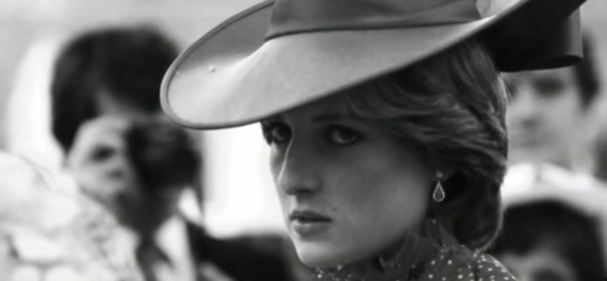 Do sieci trafiło niepublikowane nigdy wcześniej, poruszające zdjęcie. Jest na nim Księżna Diana