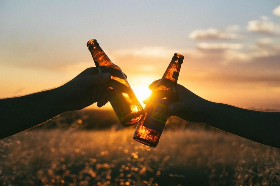 Polacy kupują coraz więcej wódki. Eksperci wskazują powody