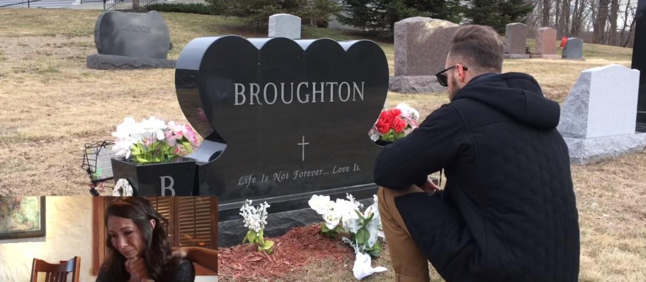 Nie przypuszczała, że przy grobie niedawno zmarłego ojca zobaczy swojego klęczącego chłopaka. Jak usłyszała, co do niego mówi, popłakała się