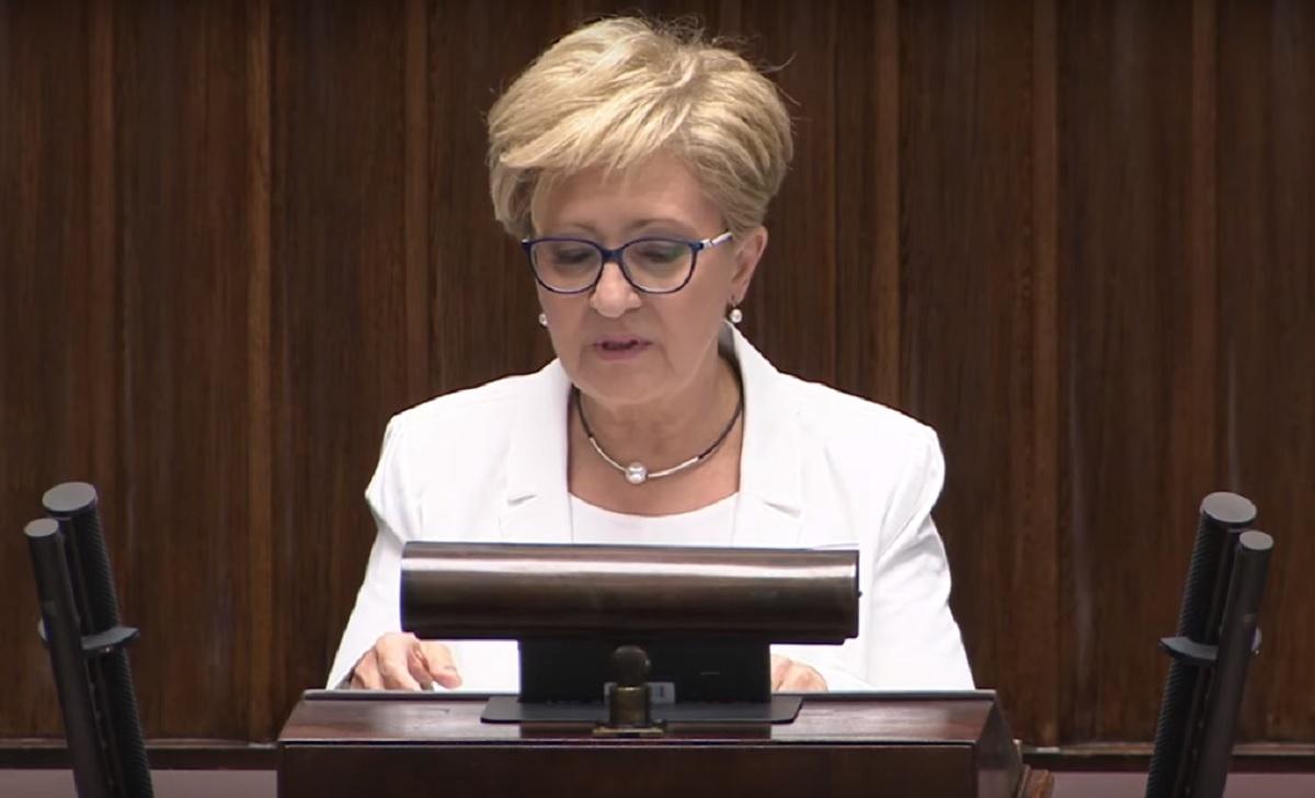 """Po 22 latach odchodzi z Sejmu. """"Standardy daleko odbiegają od tych, których według mnie w polityce powinno się przestrzegać"""""""