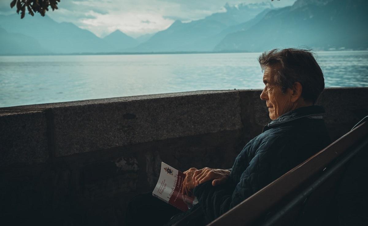 Już niedługo blisko milion emerytów i rencistów dostanie duże, dodatkowe pieniądze. Wiadomo komu i ile się należy