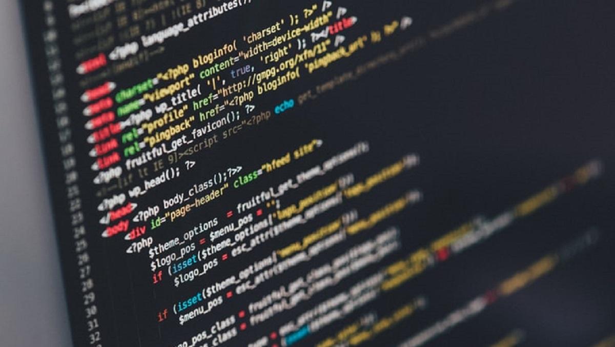 Ile zarabiają programiści i na czym polega ich praca? Ich doniesienia zaskoczą wielu