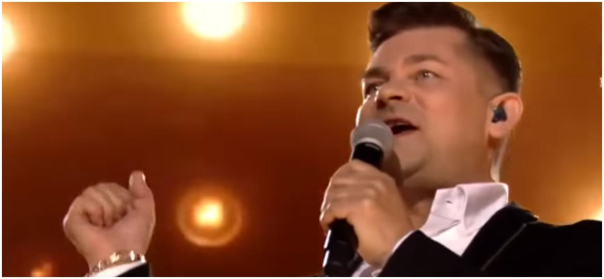 Zenek Martyniuk wyszedł na scenę na żywo. Warszawiacy mówiący o wieśniactwie na Narodowym szybko zamilkli