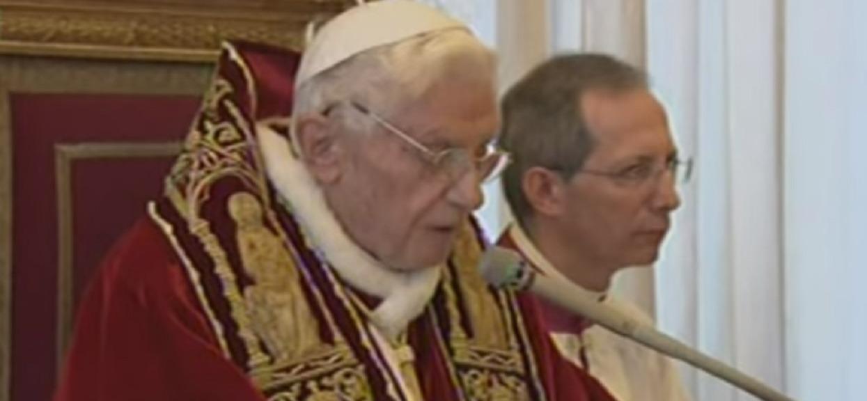 Benedykt XVI dostał wylewu i jest z nim źle? Rzecznik Watykanu wydał specjalne oświadczenie