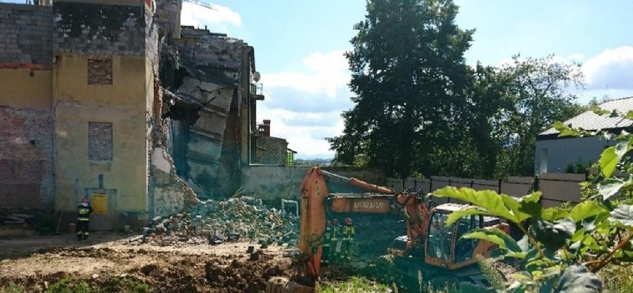 W centrum miasta zawalił się fragment kamienicy. Specjalistyczna grupa poszukiwawcza wkroczyła do akcji