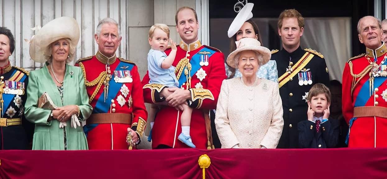 W brytyjskiej rodzinie królewskiej odbył się gejowski ślub. Wyszło na jaw, jak zareagowała na to królowa Elżbieta