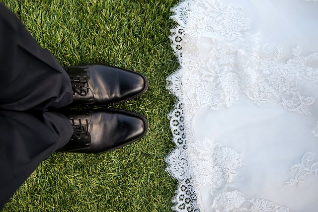 72-latka wzięła ślub z 27-latkiem. Teraz ma gigantyczny problem, którego nie da się rozwiązać