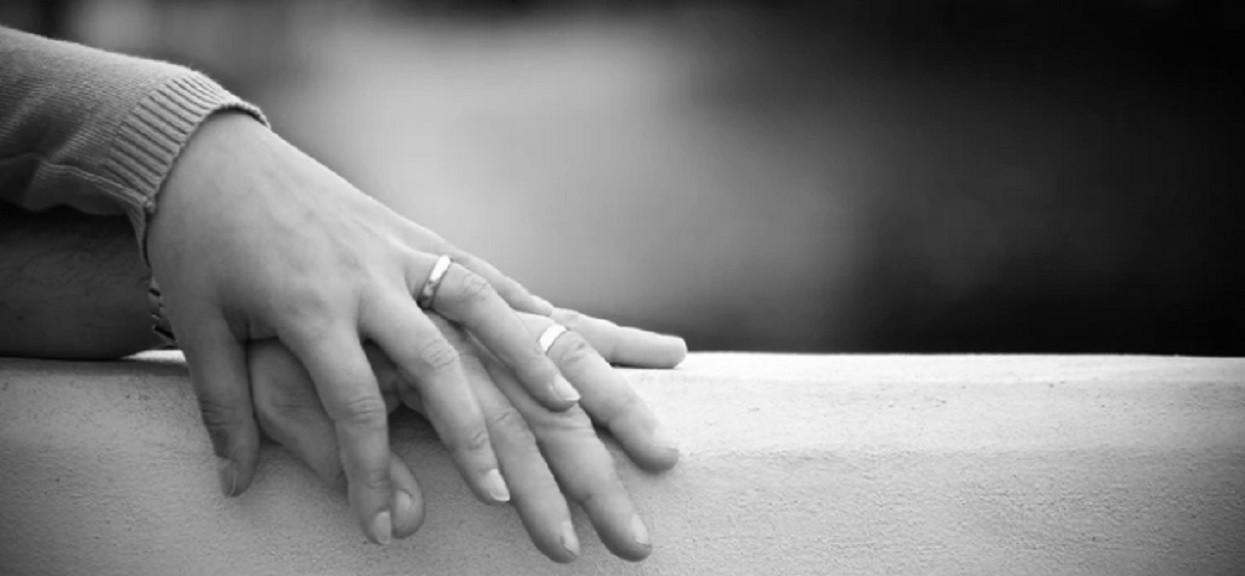 Wrocław: złodziej wybierał domy młodych par i okradał je, kiedy wszyscy bawili się na weselu. Poszkodowani szacują straty na 87 tysięcy złotych