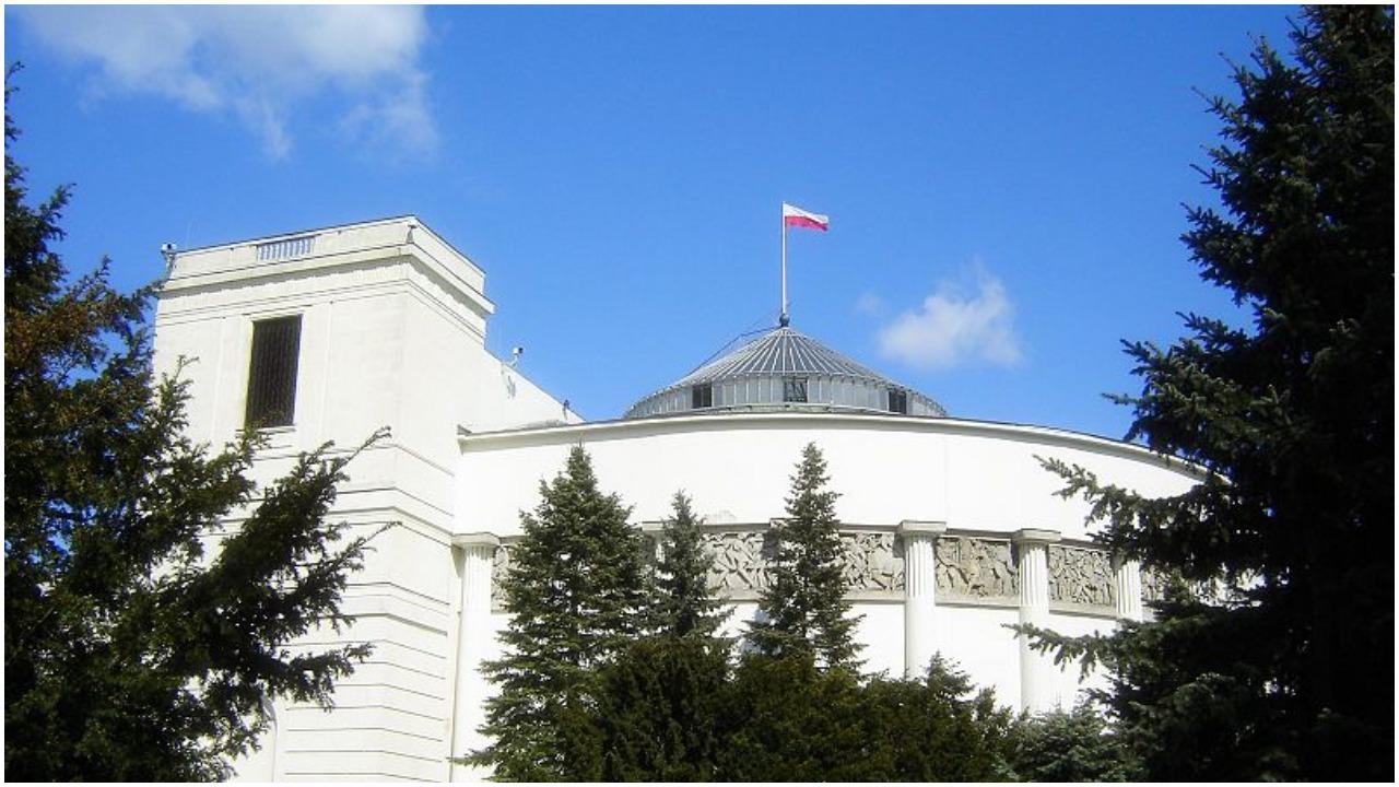 Nawet 5 partii w Sejmie po wyborach. Lewica się odradza?
