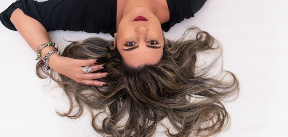 Możesz mieć długie, piękne włosy bez drogich kosmetyków z drogerii. Wystarczy zioło, które każdy ma w ogrodzie