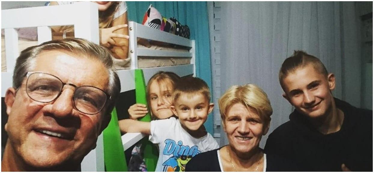W jednej chwili 4 dzieci straciła oboje rodziców. Zygmunt Chajzer z synem pilnie apelują o pomoc