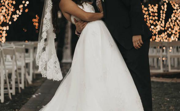 Nikt z gości weselnych nie wiedział, jak zareagować. Panna młoda wybuchła płaczem, a Łukasz na kolanach błagał ją o wybaczenie
