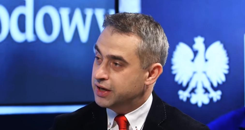 """Krzysztof Gawkowski z Wiosny ma pomysł dot. Kościoła: """"Wprowadzimy kasy fiskalne dla księży"""""""