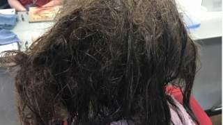 Fryzjerka odmówiła kobiecie ścięcia włosów, które zapuściła będąc w depresji. Po 13 godzinach jej ciężkiej pracy efekt jest piorunujący