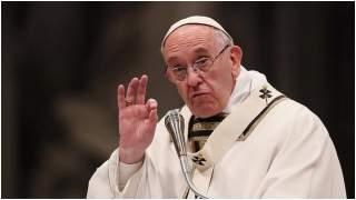"""Papież wkurzył się na Jędraszewskiego za słowa o """"tęczowej zarazie""""? Okazuje się, że jest jeszcze gorzej"""