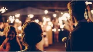 Zboczony wujek i napalona ciotka kleptomanka zamienili ich wesele w piekło. Płakali wiele godzin
