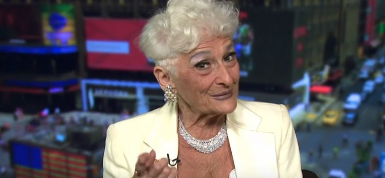 82-latka uwielbia randkować. Nie może opędzić się od kochanków poniżej 35 roku życia