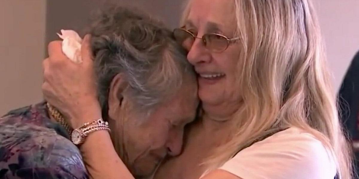 """Myślała, że jej dziecko zmarło po porodzie. 69 lat później przypadkiem odkryła prawdę, """"Wcale nie umarłam"""""""