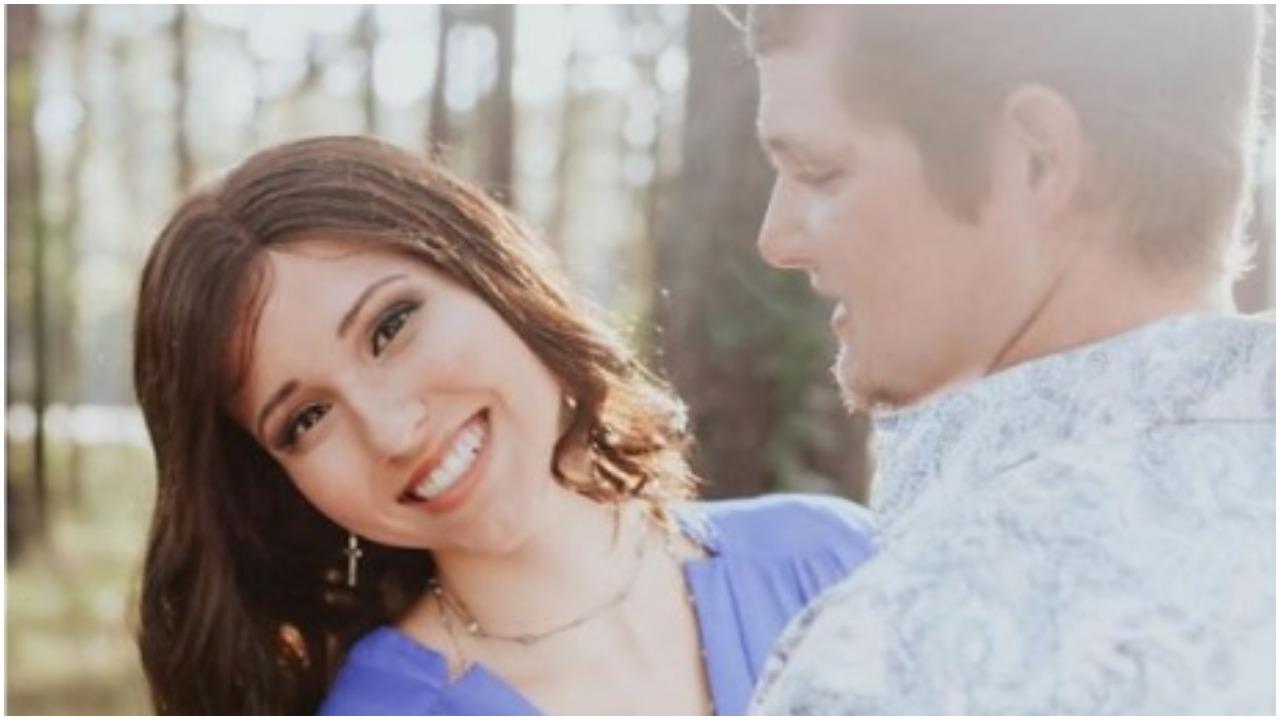 Oświadczał się swojej dziewczynie. Wtedy wyznała mu tajemnicę, którą ukrywała przed nim od 15 lat, a jego aż zatkało