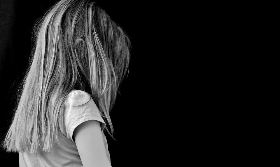 Zamknęli go w psychiatryku jako niepoczytalnego za gwałt na 7-latku. Wyszedł i dostał pod opiekę 9-latkę, dokonano strasznego odkrycia