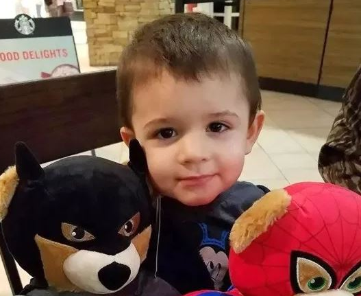 Lekarzom nie udało się uratować 2-latka, umierał w męczarniach. Na jaw wyszło, co zrobiła mu mama