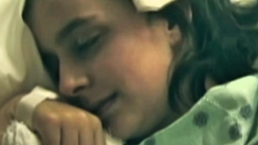 Lekarze orzekli u nastolatki śmierć mózgu. Ale 4 lata później dziewczyna obudziła się i wyjawiła straszną prawdę