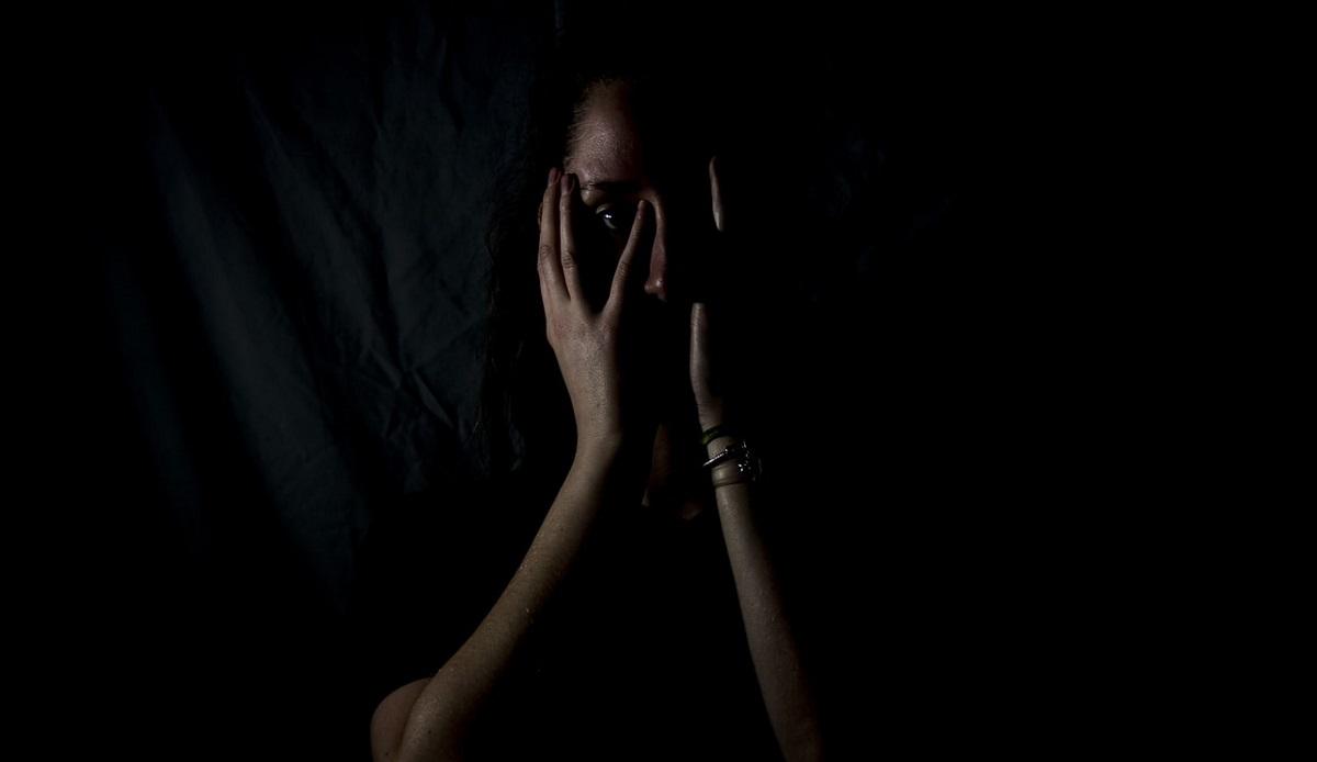 Porwali nastolatkę i więzili ją 44 dni. Robili jej tak straszne rzeczy, że sama błagała, by ją w końcu zabili