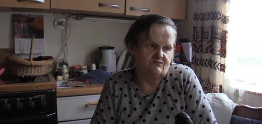 Pani Romana dostaje 400 złotych emerytury. Powiedziała, na kogo będzie głosować, po czym zalała się łzami