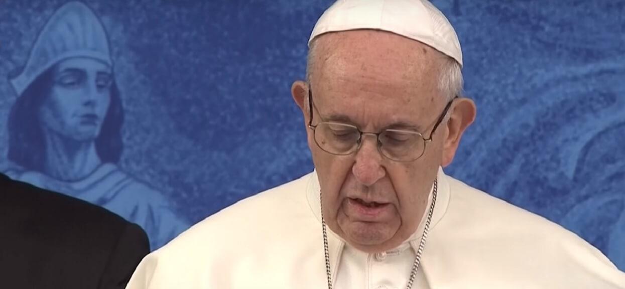 Papież Franciszek zawstydził polityków PiS. Nowa ustawa rządu jest sprzeczna z wolą głowy Kościoła