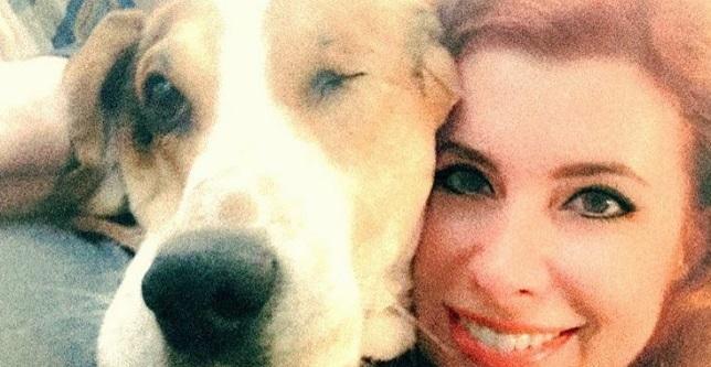 Na jej nosie wyskoczyła mała, czerwona plamka, a pies nieustannie ją wąchał i lizał. Poszła do lekarza, jego diagnoza ścięła ją z nóg