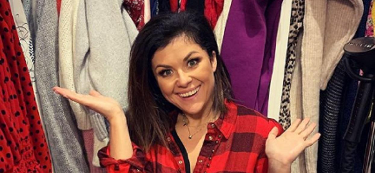Kasia Cichopek zabłysnęła niezwykłym wyczuciem stylu. Pokazała się w swetrze, który każda kobieta powinna mieć w szafie na jesień 2019