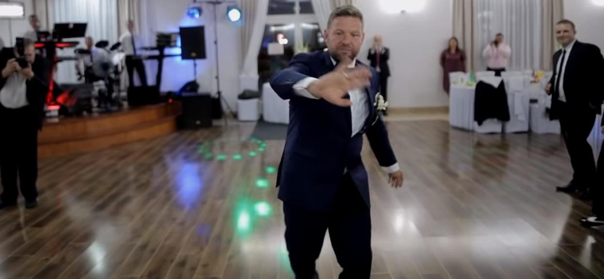 Mąż nagle przerwał taniec i na oczach wszystkich weselników zabronił pannie młodej zbliżać się do siebie. Powód ścina z nóg