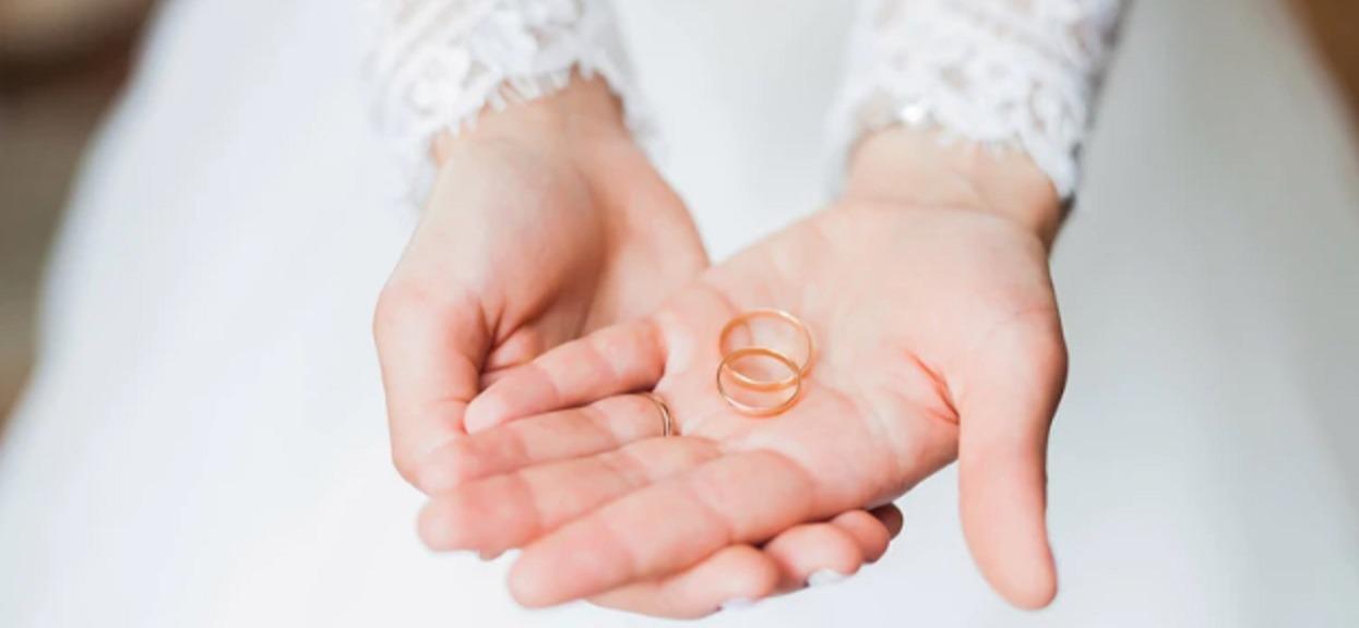 Znaki zodiaku, które mają najmniejsze szanse na ślub. Mogą nigdy nie doczekać się swojej drugiej połówki