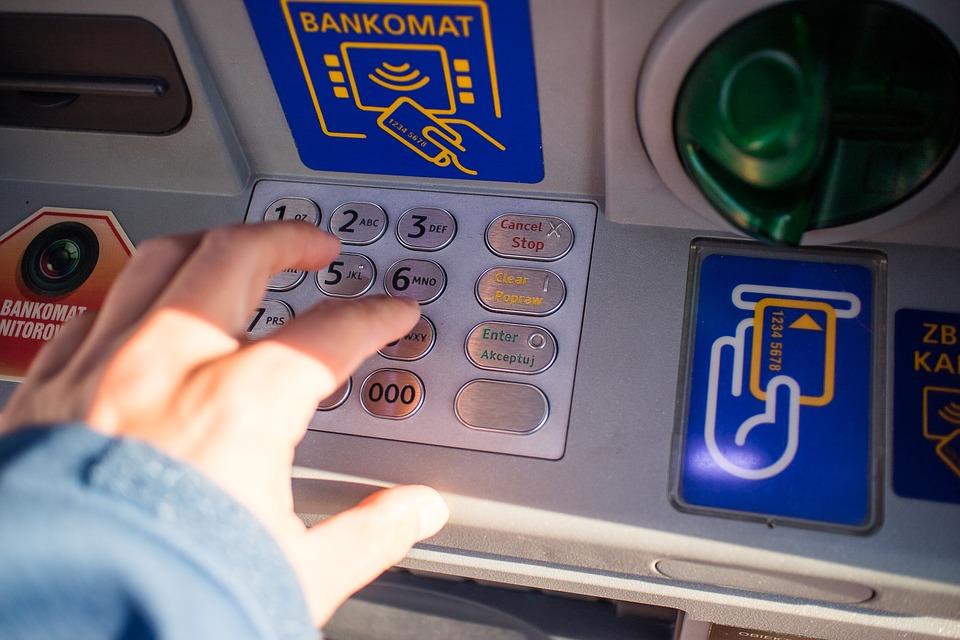 Największe banki ostrzegają Polaków. Nie dostaniesz się do swoich pieniędzy