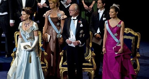 Nikt się tego nie spodziewał. Z dnia na dzień dzieci księcia Karola straciły przynależność do dworu królewskiego