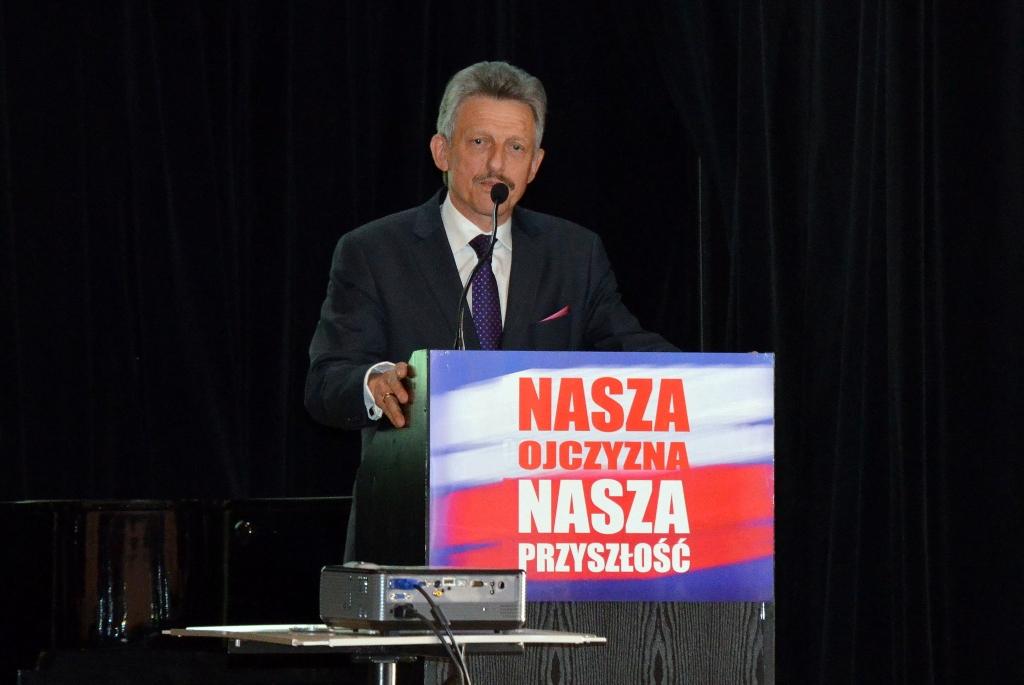 Stanisław Piotrowicz odzyska mandat poselski? PiS znalazło prosty sposób
